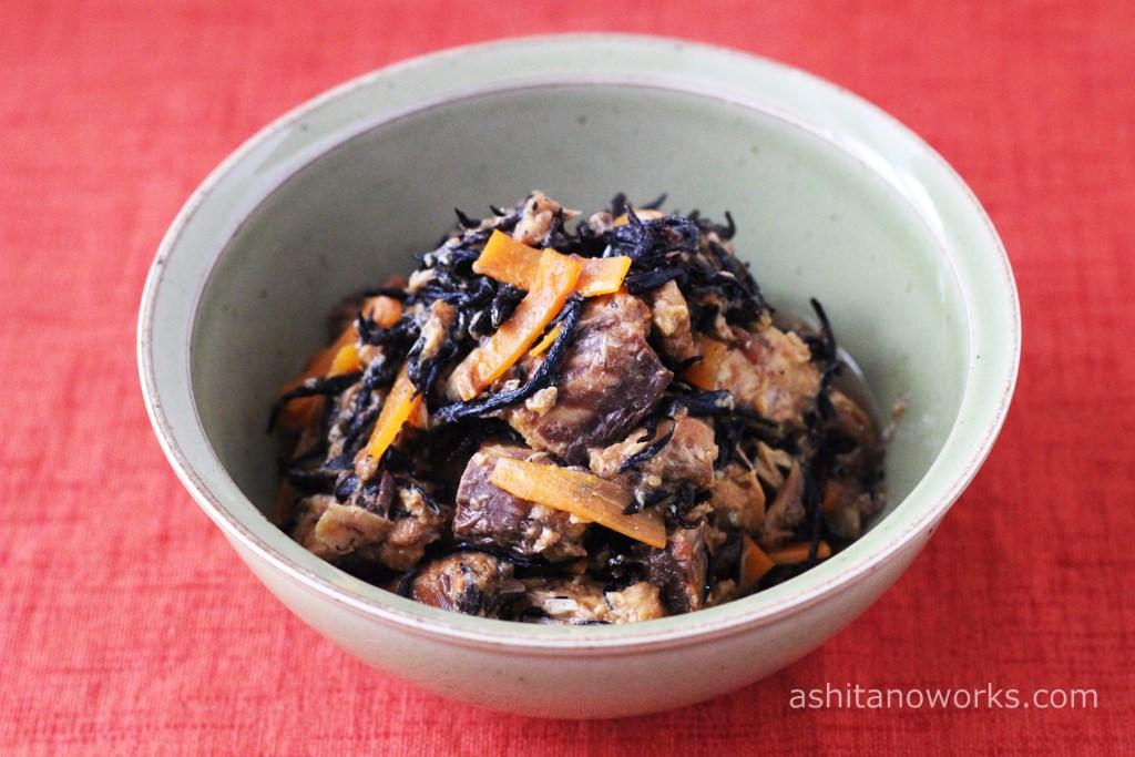 さば味噌煮缶詰で作る「さばひじき煮」