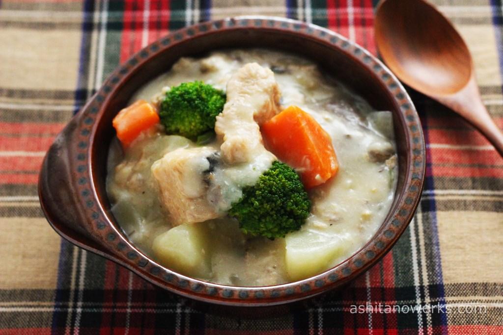 鮭缶で作る「さけのクリームシチュー」