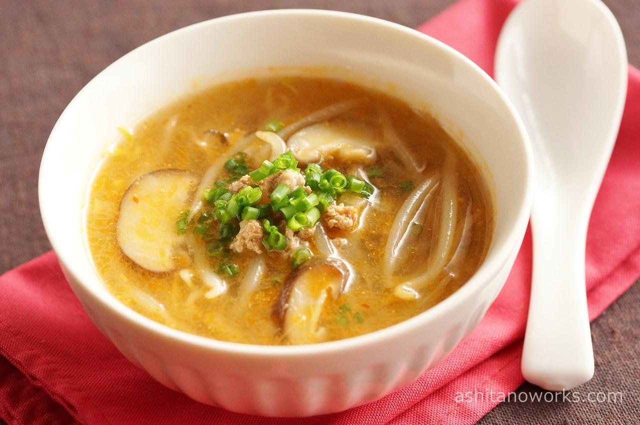 もやしとしいたけの担々スープ